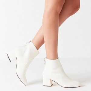 Urban Outfitters - White Booties